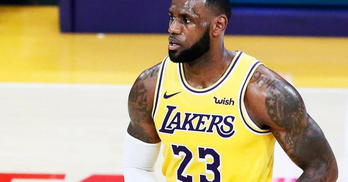 LeBron James va jouer meneur la saison prochaine !