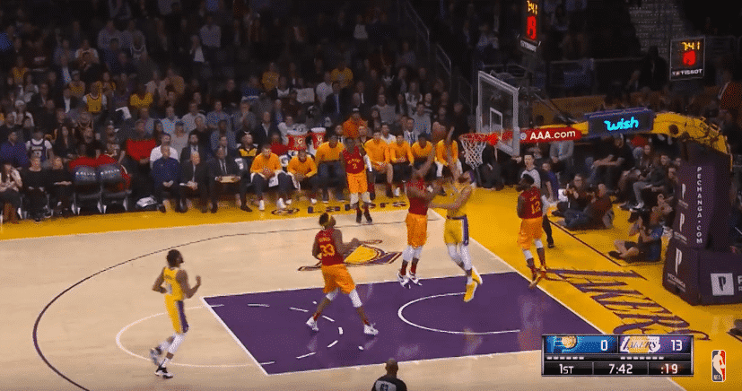 Top 5 : JaVale McGee bloque un 1 vs 4 !