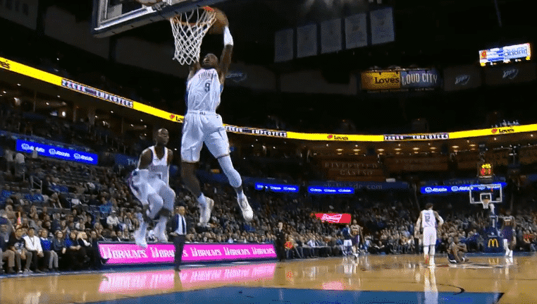 Top 10 : Le alley-oop explosif du Thunder !