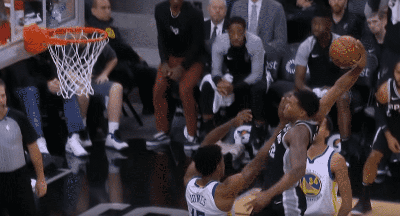 Top 10 : Rudy Gay cale un énorme dunk !