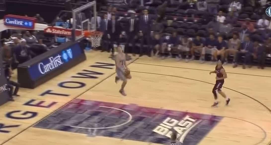 Mac McClung débute en NCAA par un dunk énorme