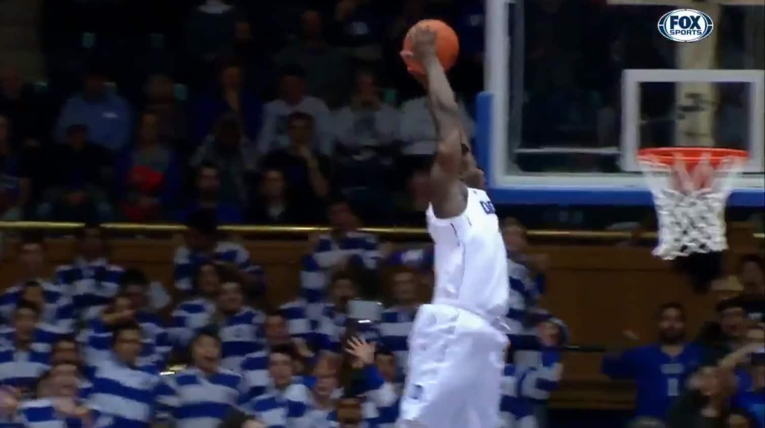 Zion Williamson, encore un dunk fou et un match propre