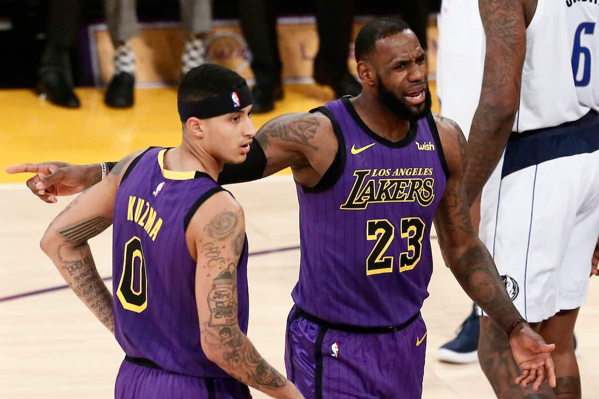 Les Lakers ont 0,9% de chances de faire les playoffs…