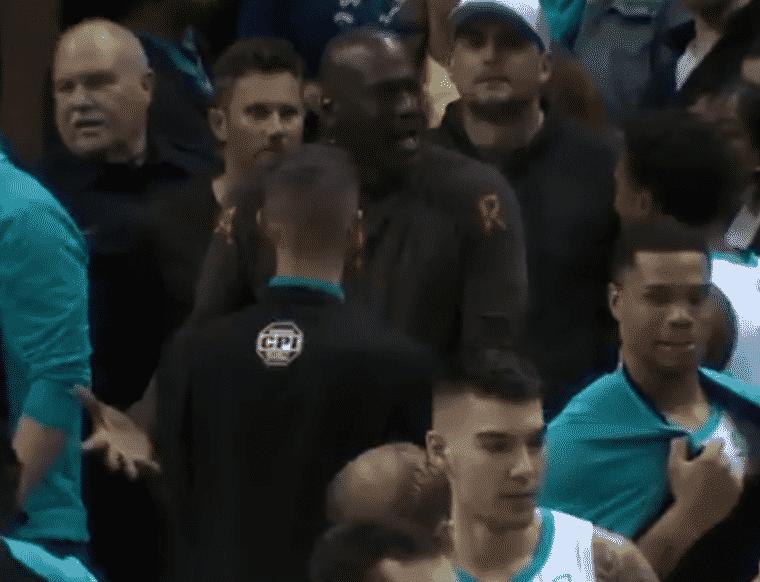 Monk a failli gâcher le game winner de Lamb, MJ l'a grondé