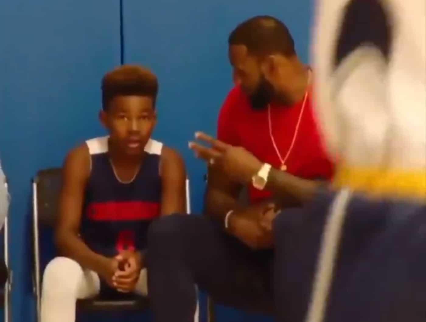 Coach LeBron remonte le moral de son fils Bryce