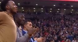 La belle ovation des fans de Toronto pour Vince Carter