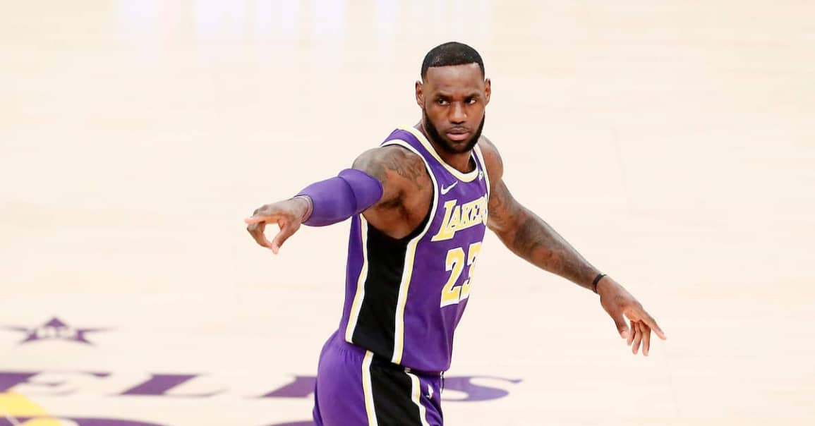 CQFR : LeBron se rapproche de Kobe, Lillard cartonne en vain