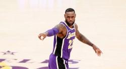Mais à quoi pensait LeBron James sur cette remise en jeu ?