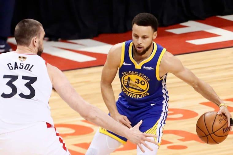 Steve Kerr trouve Stephen Curry «à son pic physiquement et mentalement»