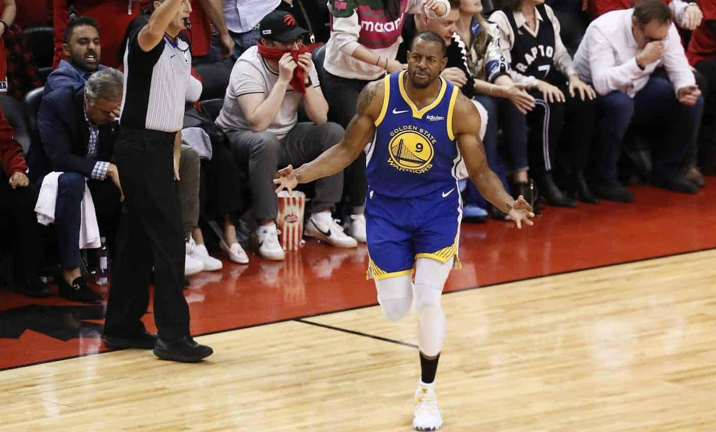 Les Lakers gardent une place pour Andre Iguodala