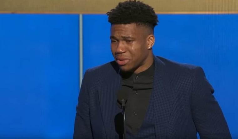 En larmes, Giannis donne un speech de MVP mémorable
