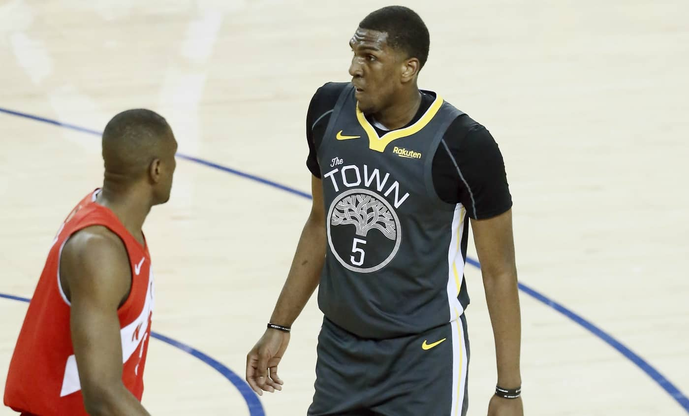 Kevon Looney continue l'aventure avec les Warriors !