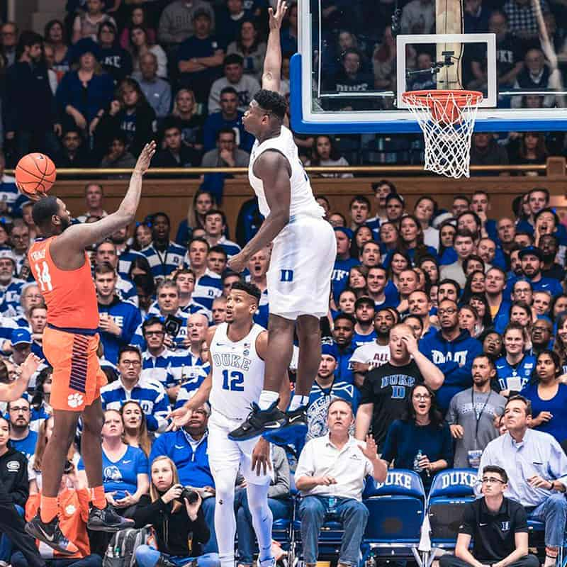 Zion Williamson au contre