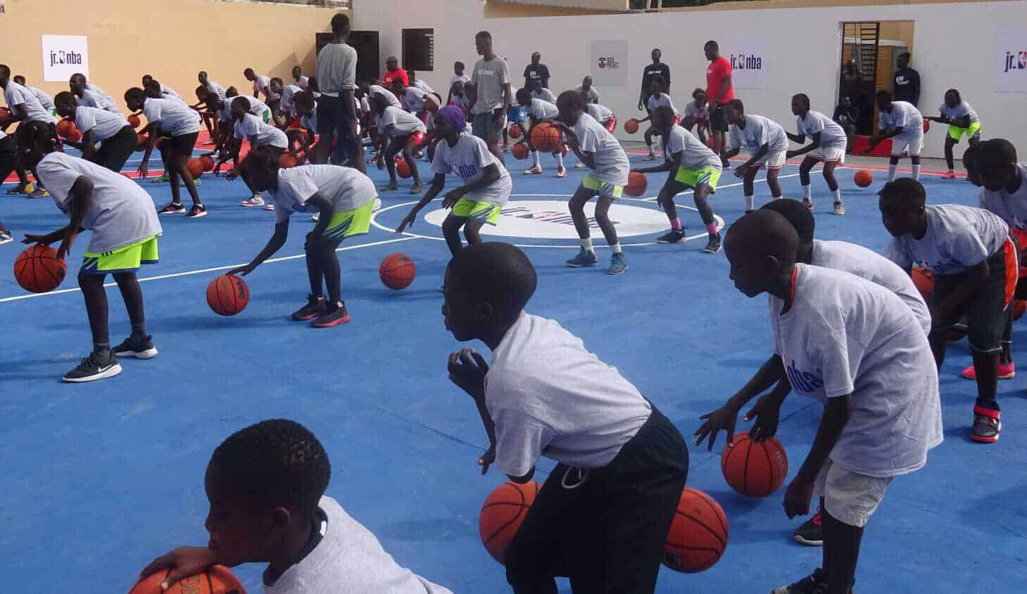 La NBA a inauguré deux terrains de basket à Guediawaye
