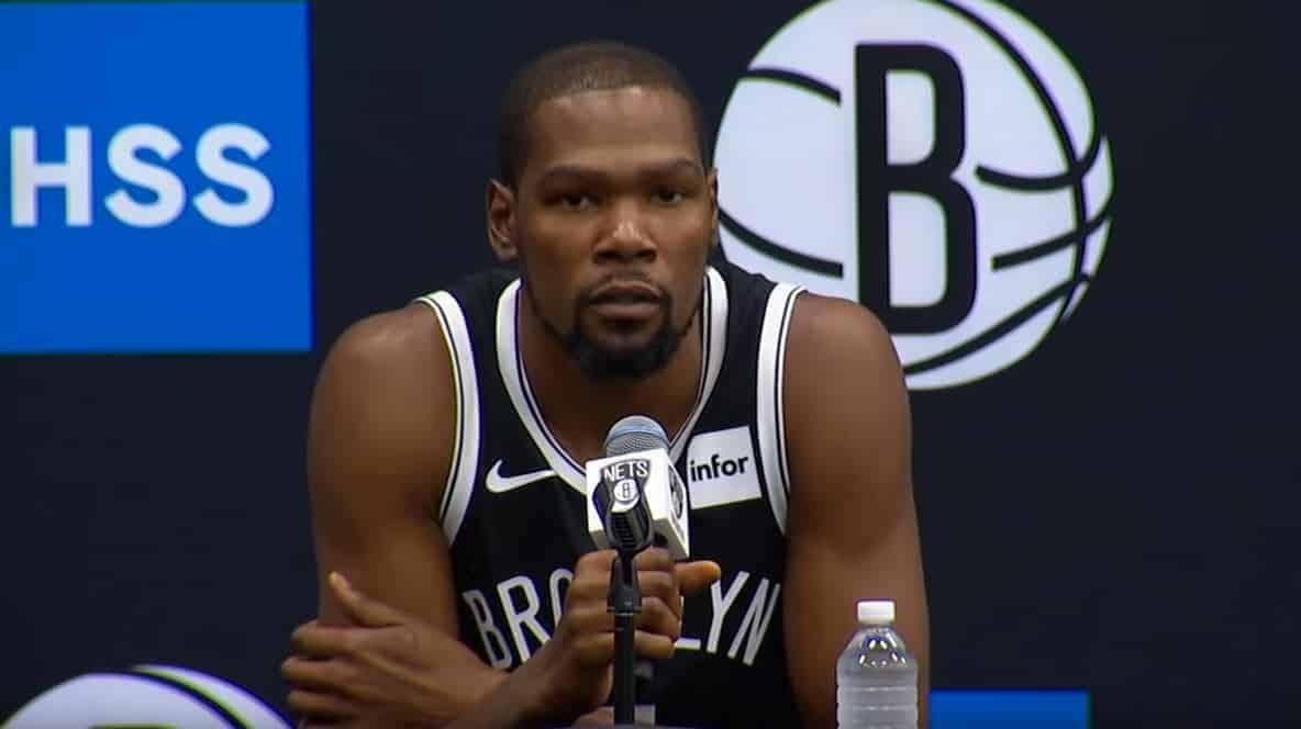 La taille de Kevin Durant enfin révélée : sans surprise, «KD» est plus grand qu'annoncé