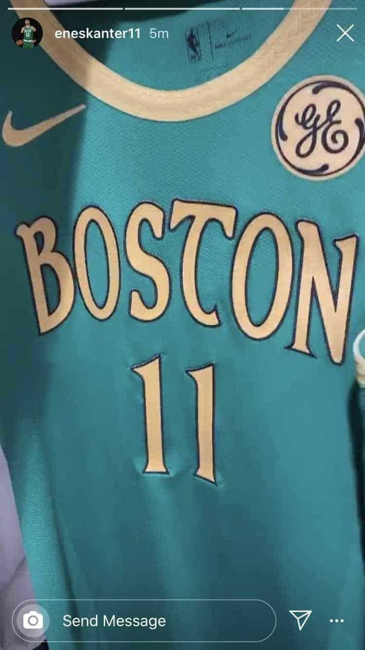 Enes Kanter a dévoilé les nouveaux maillots des Celtics