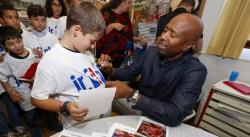 La ville de Paris et la NBA font découvrir le métier de journaliste à 20 enfants de primaire