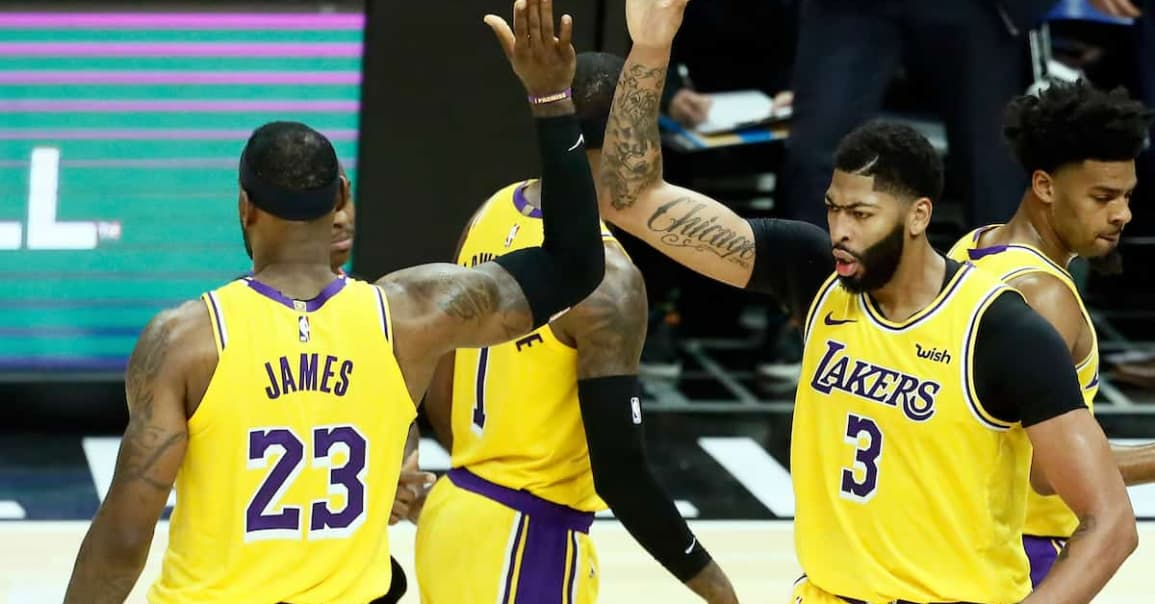 CQFR : LeBron James et Anthony Davis showmen, Lakers et Bucks qualifiés