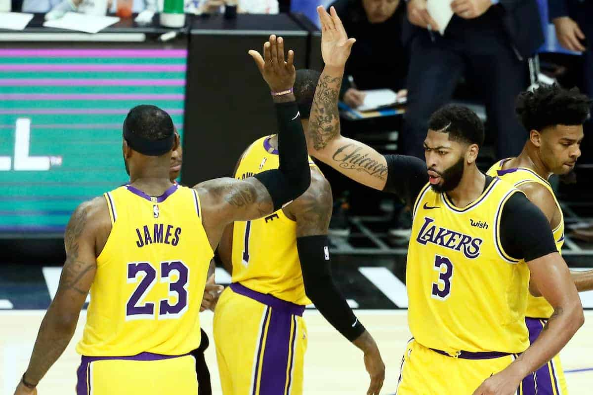 Anthony Davis surpris par son entente rapide avec LeBron James