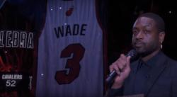 Superbe cérémonie en hommage à Dwyane Wade, son maillot retiré par le Heat