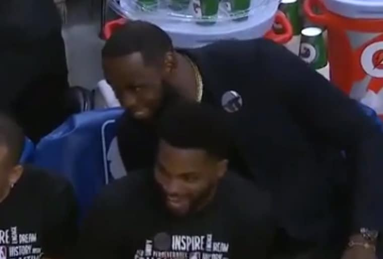 Quand LeBron s'amuse de voir Draymond Green péter un plomb