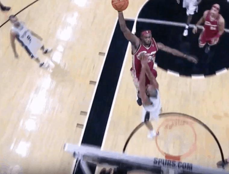 Le poster oublié : Le jour où LeBron James a détruit Tim Duncan