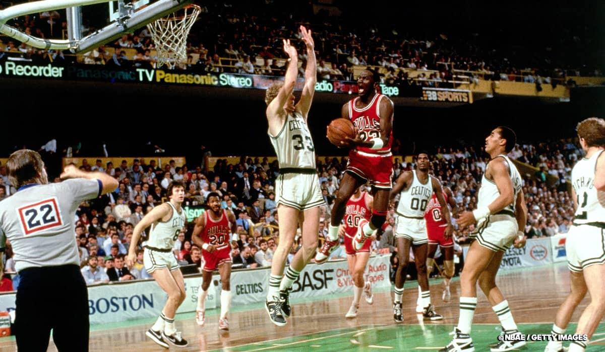 Michael Jordan VS Larry Bird