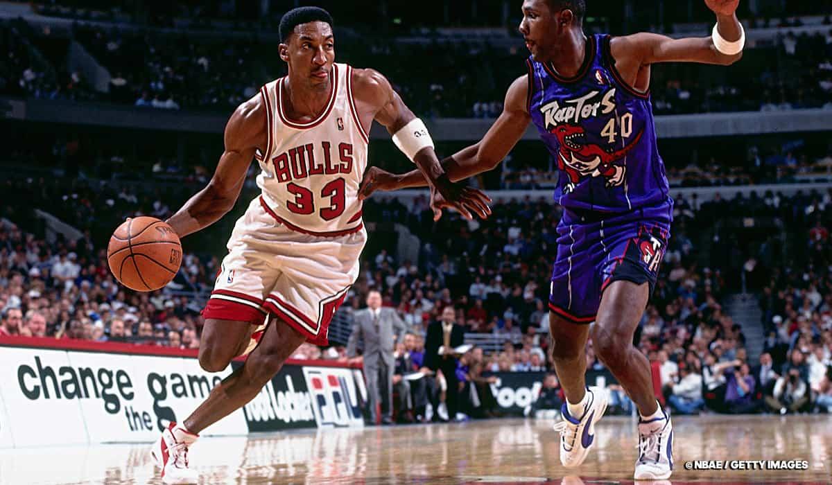 Scottie Pippen - Chicago Bulls - Michael Jordan
