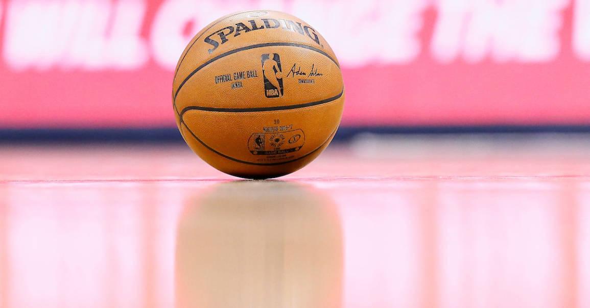 Après 37 ans de mariage, Spalding et la NBA se séparent !