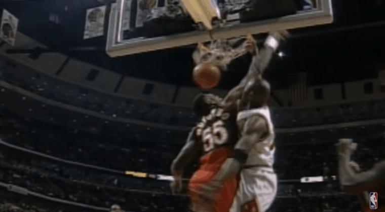 Quand Mutombo narguait Jordan… avant de se faire dunker dessus