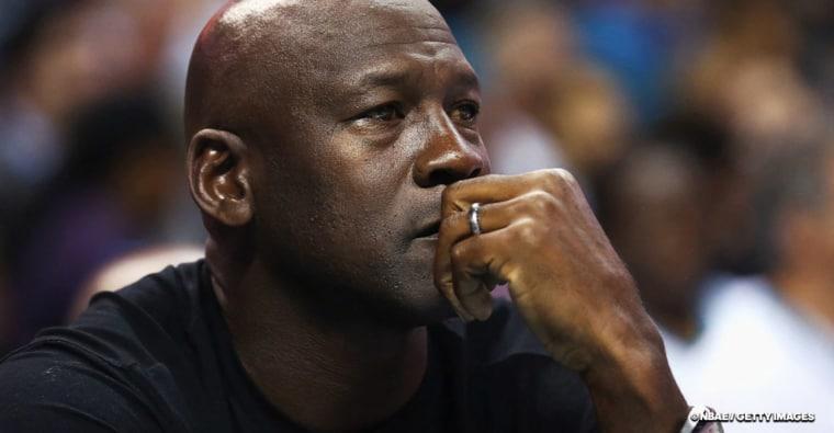 Michael Jordan se mouille comme jamais sur les problèmes raciaux