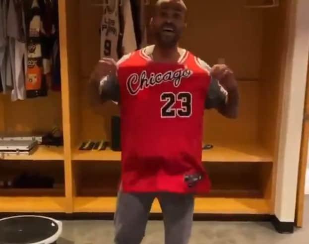 Tony Parker avec un maillot des Bulls, ça fait quand même bizarre