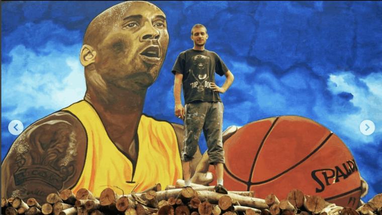 L'impressionnante et émouvante peinture murale en hommage à Kobe Bryant