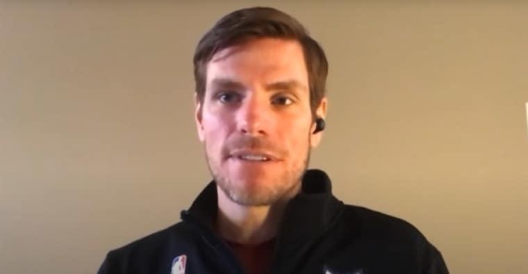 Un commentateur des Hornets suspendu après avoir twitté une injure raciste