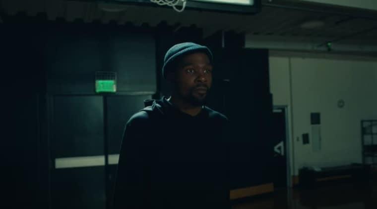 Kevin Durant rejoue au basket… dans le dernier clip de Drake