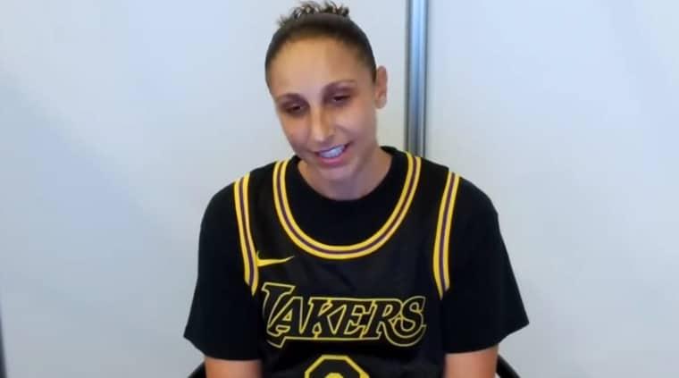 Diana Taurasi fait un carton avec le nom et le numéro de Kobe
