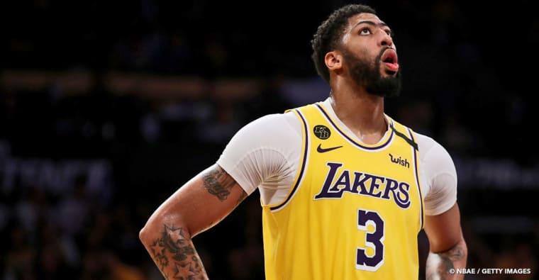 Anthony Davis «encore loin» d'un retour, ça se complique pour les Lakers…