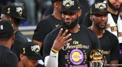 Les champions NBA de retour à la Maison Blanche, LeBron confirme