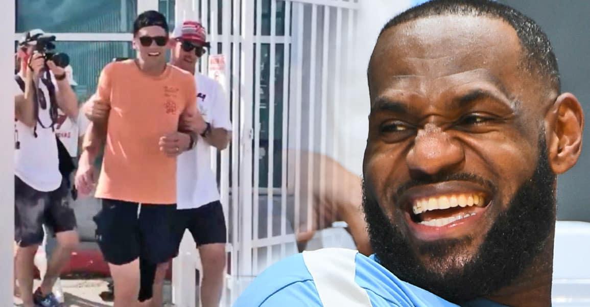 Tom Brady bourré, LeBron James à la rescousse. Entre GOATS, on se soutient ! - BasketSession