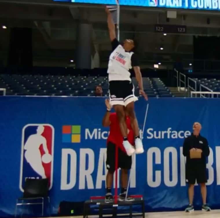 Keon Johnson explose un record de détente vieux de 20 ans au Draft Combine !