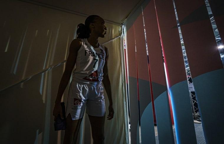 EuroBasket : Les Bleues foncent en quart avec la manière